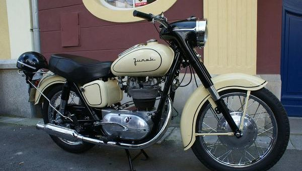 Wybór najpotrzebniejszych akcesoriów motocyklowych