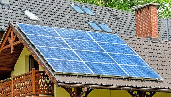 Mniejsze rachunki za prąd dzięki naszym panelom fotowoltaicznym
