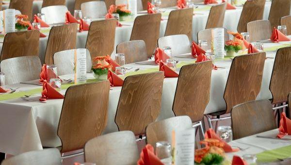 Pomysł na dekorację sali weselnej