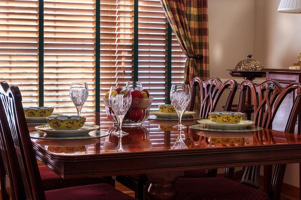 duże stoły do jadalni