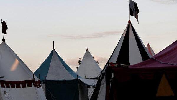 Jak wygląda wynajem namiotów?